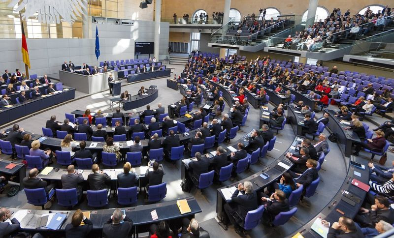 die-undurchsichtigen-unternehmensbeteiligungen-der-abgeordneten- -abgeordnetenwatch.de