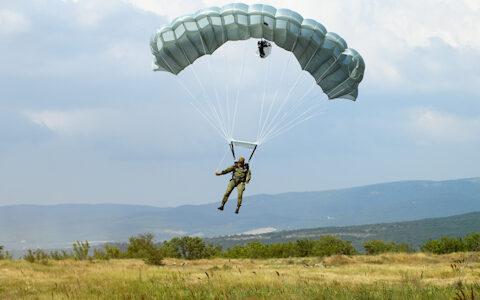 rusland-stuurt-meest-ervaren-elite-luchtlandingsbrigade-naar-de-krim;-eerste-berichten-over-zware-vuurgevechten-in-donbass-regio-–-xandernieuws