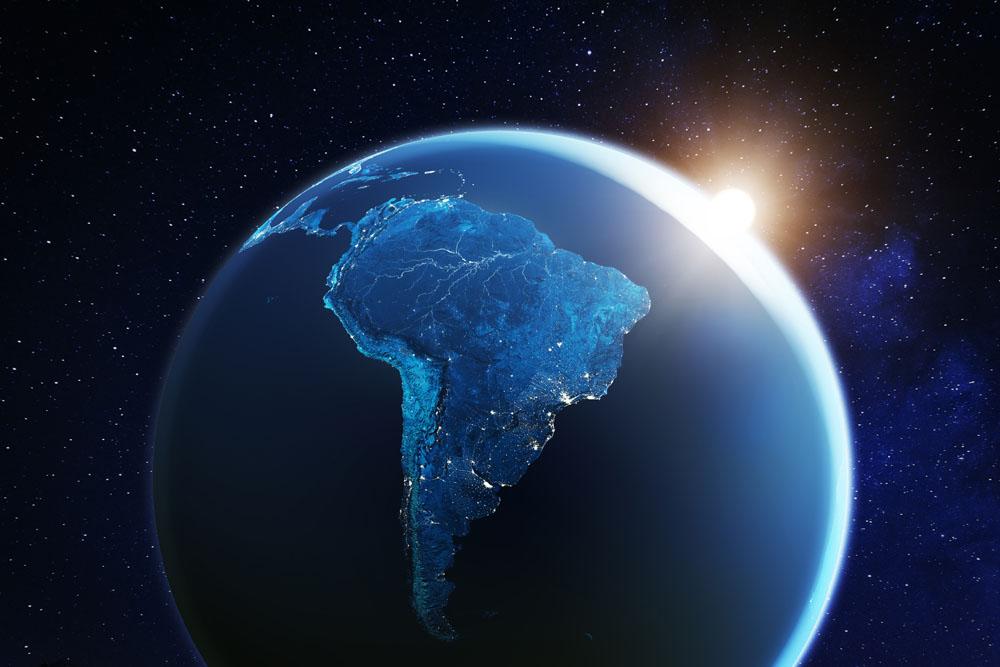 prasidentschaftswahlen-in-sudamerika-–-ecuador-wahlt-einen-der-korruption-verdachtigen-bankier,-in-peru-fuhrt-ein-kommunist-die-erste-wahlrunde-an