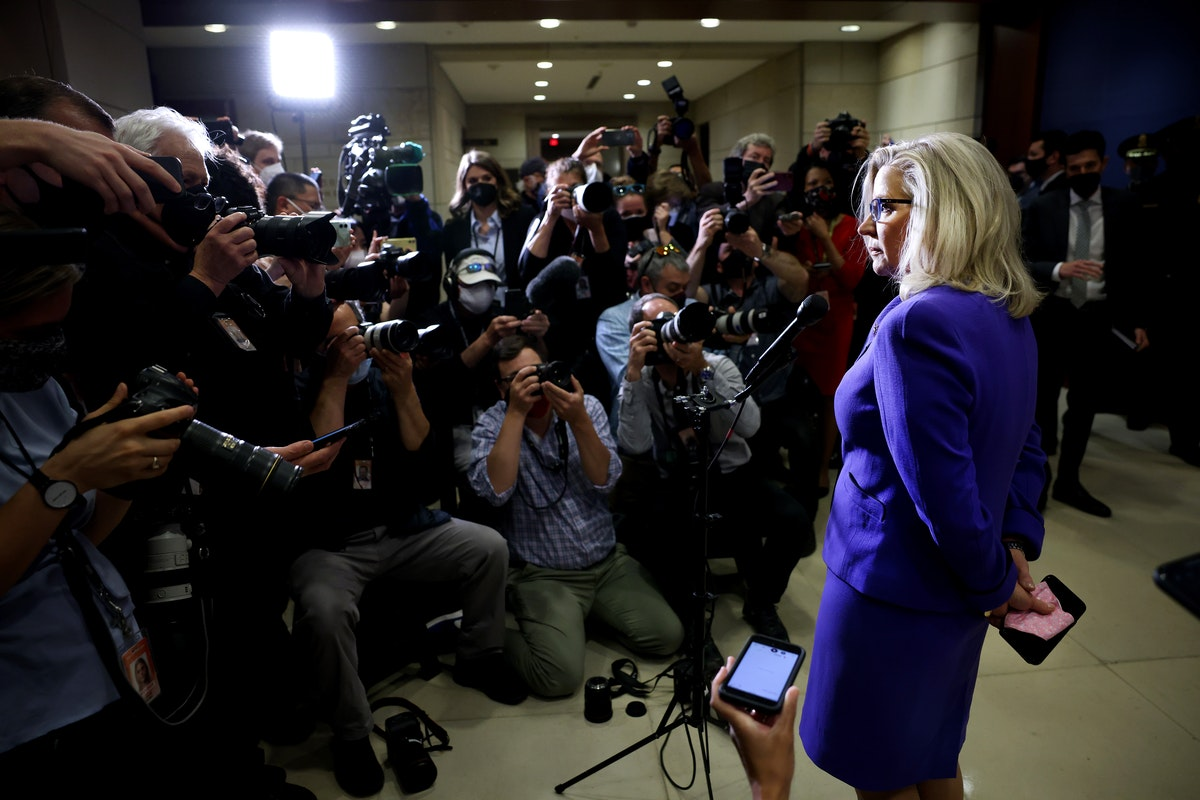 """liz-cheney-lied-about-her-role-in-spreading-the-discredited-cia-""""russian-bounty""""-story"""