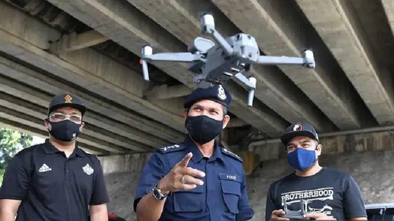 maleisie:-drones-controleren-de-lichaamstemperatuur-van-de-bevolking-–-bij-verhoogde-temperatuur-komt-bewakingsdienst-ter-plaatse-–-frontnieuws