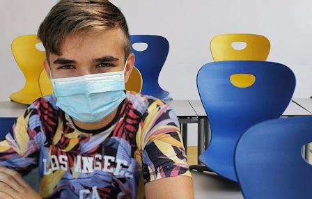 universitair-lab-vindt-11-gevaarlijke-ziekteverwekkers-in-mondkapjes-scholieren-–-xandernieuws