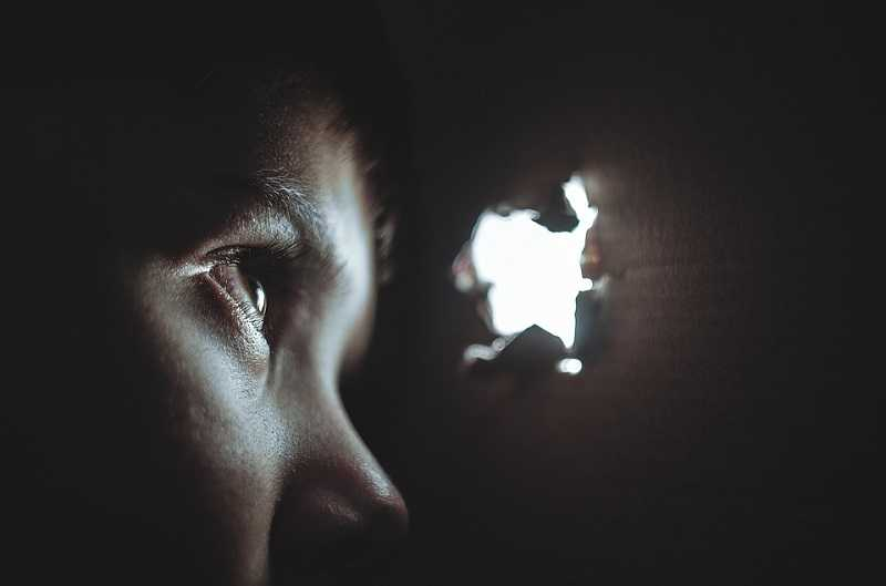 controverse-over-onderzoek-naar-spike-eiwit:-dodelijk-voor-kinderen-in-contact-met-gevaccineerden?-–-frontnieuws