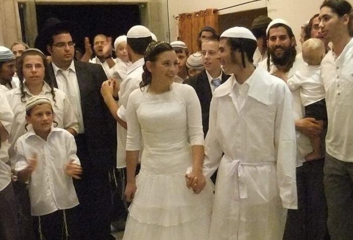 joodse-staat-israel-stelt-'covid-badges'-verplicht-om-ongevaccineerden-te-identificeren-op-grote-bijeenkomsten-–-dissidentnl