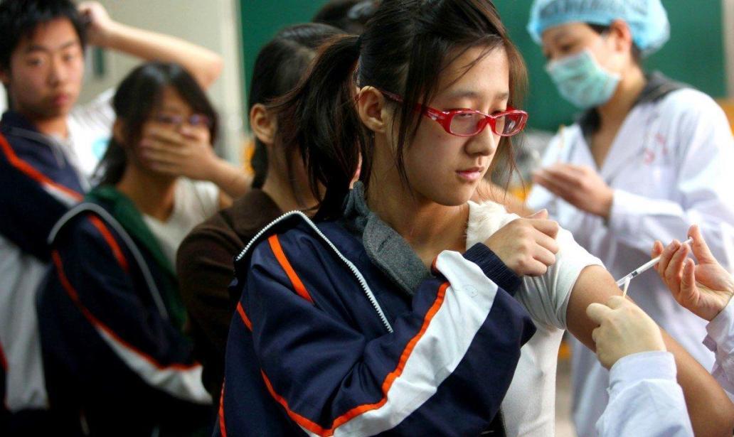 chinesen-wehren-sich-gegen-eine-zwangsimpfung-seiner-bevolkerung-|-uncut-news.ch