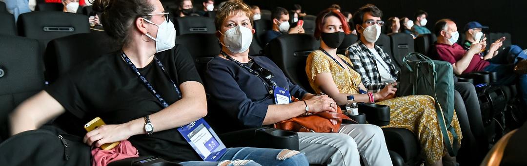 het-is-officieel:-ademvrij.nu-daagt-de-staat-over-mondkapplicht