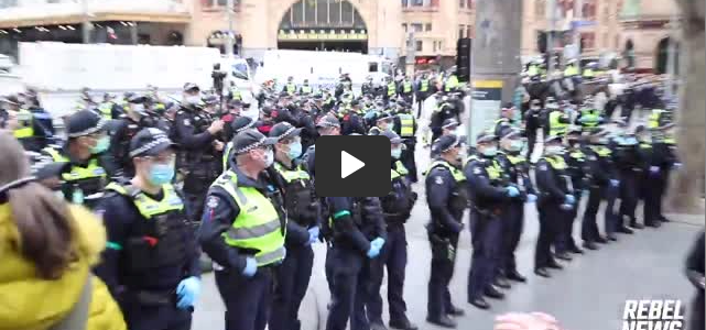 police-stand-down-at-freedom-day-in-melbourne,-australia