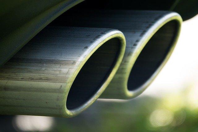 minister-van-milieu-rijdt-bmw-met-extreem-hoge-co2-uitstoot