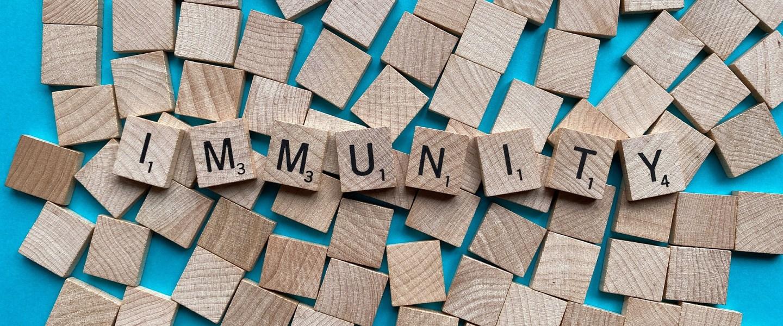 21-studies-tonen-aan:-vaccinatie-van-personen-met-immuniteit-na-infectie-zonder-positief-effect-en-deels-zelfs-schadelijk