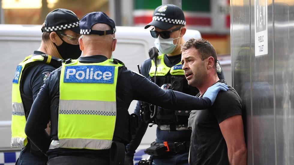 australie-trekt-de-strop-verder-aan-en-de-politie-heeft-nu-de-bevoegdheid-om-internetaccounts-te-sluiten