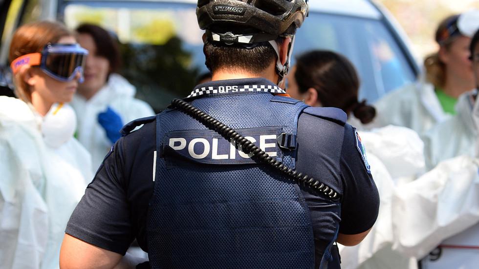 politie-in-australie-zamelt-duizenden-in-om-covid-maatregelen-te-bestrijden