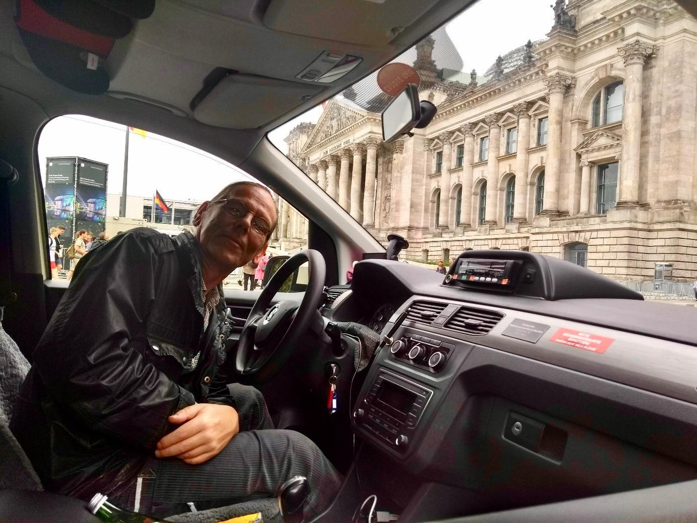 de-stem-van-een-(bijna)-taxichauffeur-over-zelfrijdende-auto's