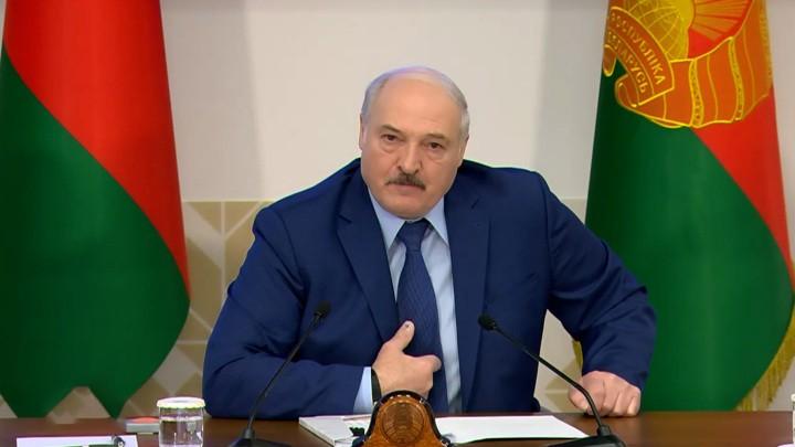 """loekasjenko:-""""zolang-de-zinloze-sancties-van-kracht-zijn,-zullen-wij-niet-met-hen-praten"""""""