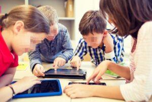 is-het-digitale-onderwijs-wel-een-goed-idee-geweest?-veel-scholen-willen-weer-'aan-de-draad'.
