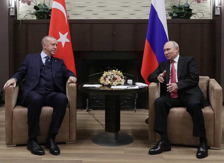 turkije,-teleurgesteld-door-biden,-wil-nauwere-banden-met-rusland