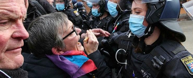 pandemie-staat-nog-steeds-in-de-schijnwerpers-van-de-internationale-politiek