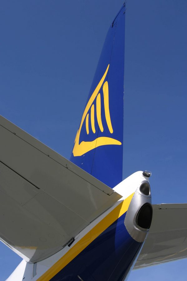 Ryanair threatens to change its hand baggage policy