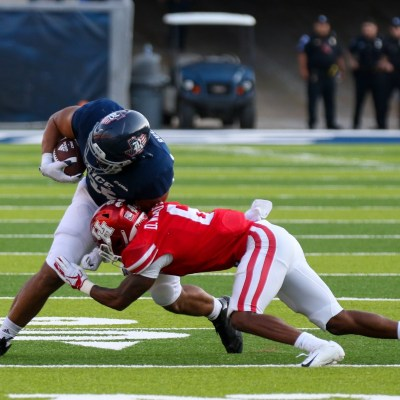 UH cornerback Damarion Williams attacks a Rice offensive player during the Cougars' win against the Owls on Sept. 11, 2021. UH defeated Grambling 45-0 on Saturday. (Courtesy of Mario Puente)