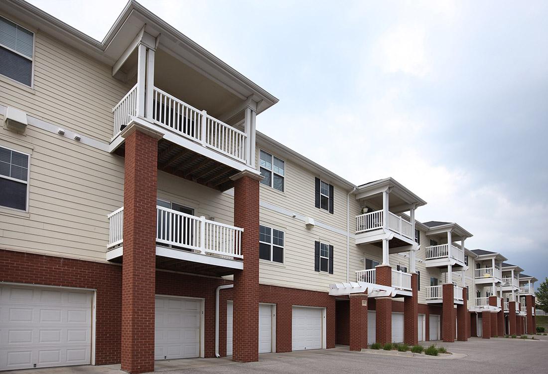 Omaha, NE Apartment Photos, Videos, Plans