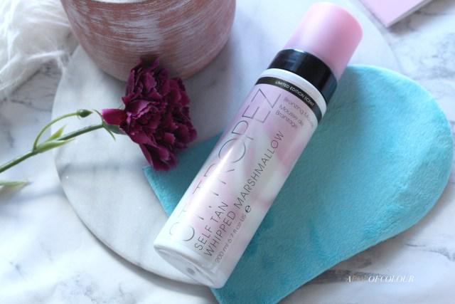 St. Tropez Self-Tan Whipped Marshmallow Bronzing Mousse