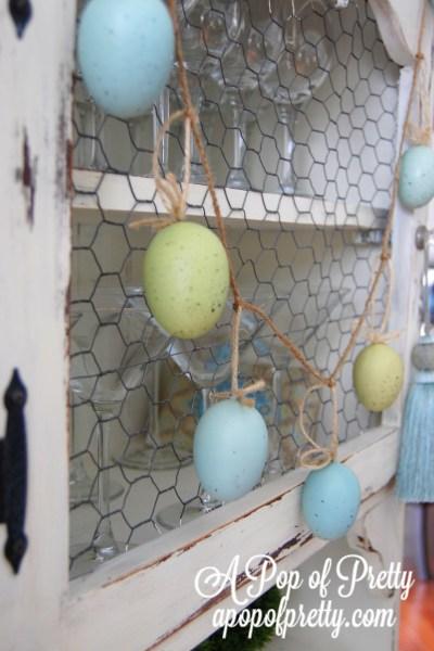 Easter decorating ideas - egg garland