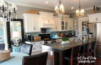 White kitchen with gray walls: Benjamin Moore Navajo White ...