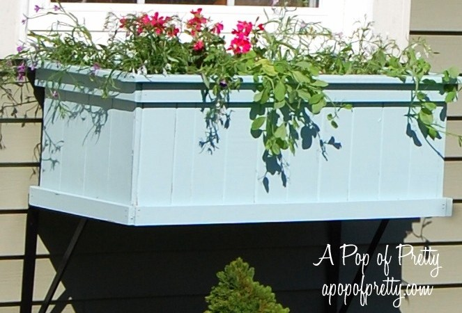 Window box love. (Summer decorating ideas)
