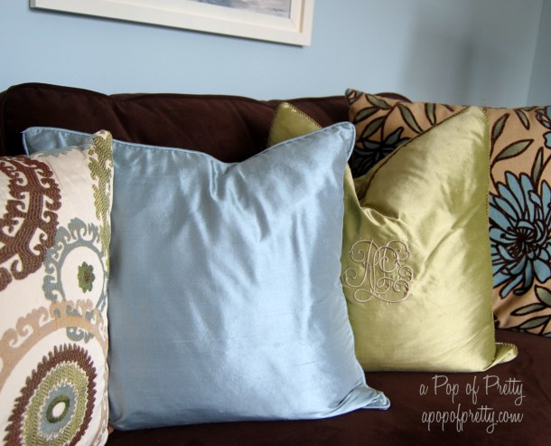 Benjamin Moore Woodlawn Blue with accessories