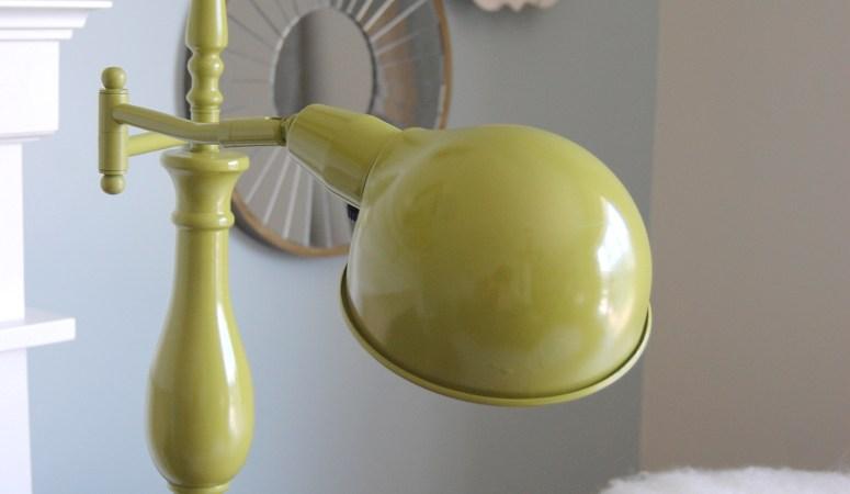 DIY Reading Lamp Makeover (Krylon Ivy Leaf)