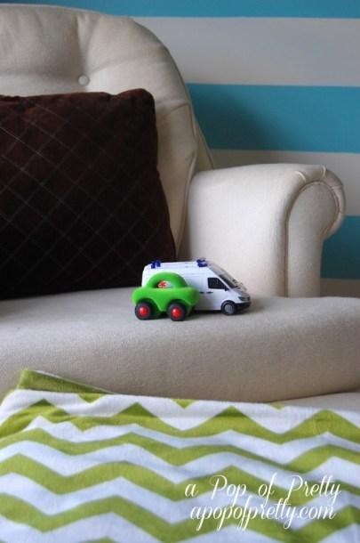 chevron blanket toddler room