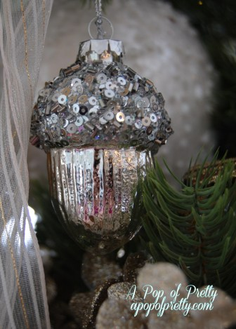 Christmas tree decor - acorn