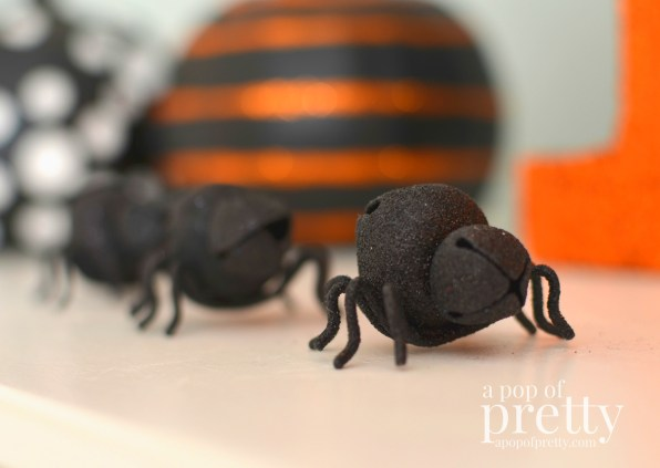 Kid friendly Halloween decorating ideas - glittery spiders