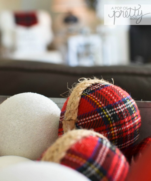 cottage Christmas red plaid decor