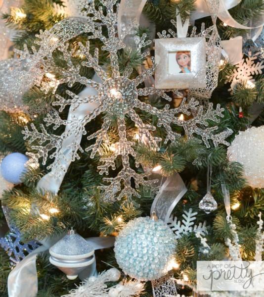 Disney Frozen Christmas Tree ideas giant snowflake