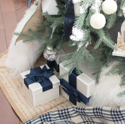 navy Christmas decor 5
