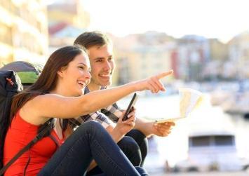 Τσίπρας - Τσακαλώτος βάζουν βαθιά το χέρι στη τσέπη των τουριστών