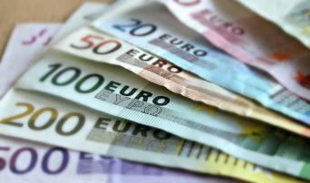 Αναδρομικά: «Βρέχει» χιλιάδες ευρώ – Πότε, ποιοι και πόσα θα πάρουν