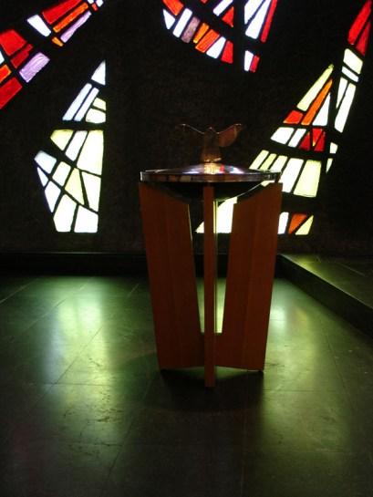 Taufbecken, Gottesdienst am 04.04.2010, © Birgit Schröter