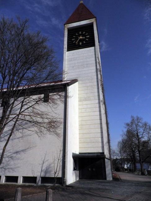 """Katholische Kirche """"Zur hl. Dreieinigkeit"""", © Gabi Frühwirth"""