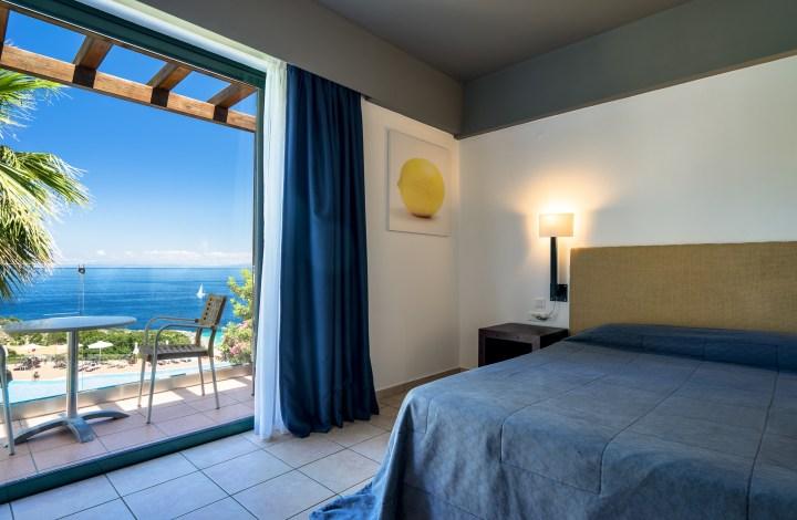 Τετράκλινο δωμάτιο με θέα στην θάλασσα