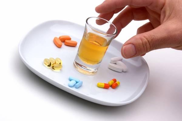 Interaksi Obat - Waspada Bahaya Minum Obat Bersamaan