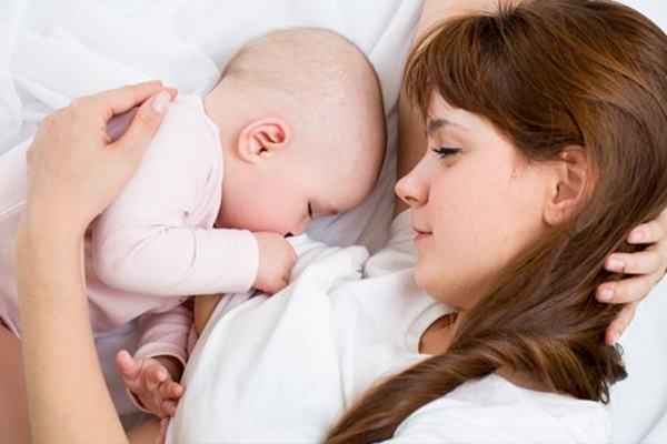 hubungan emosional bayi dengan ibu