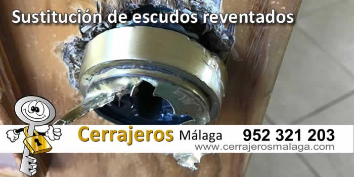 Cerrajeros Málaga sustituye su escudo reventado