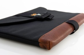 sleevecase_leather_detail_lg