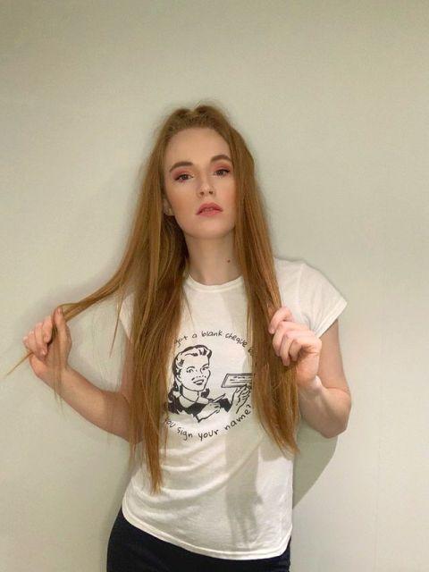 Fransesca_fleur Blank Cheque model Taylor Swift Women's T-Shirt 4