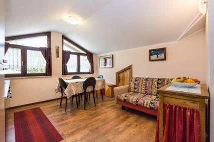 Affittasi trilocale mansardato Aosta casa vacanza bioula