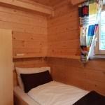 Apartment 1 klein bed