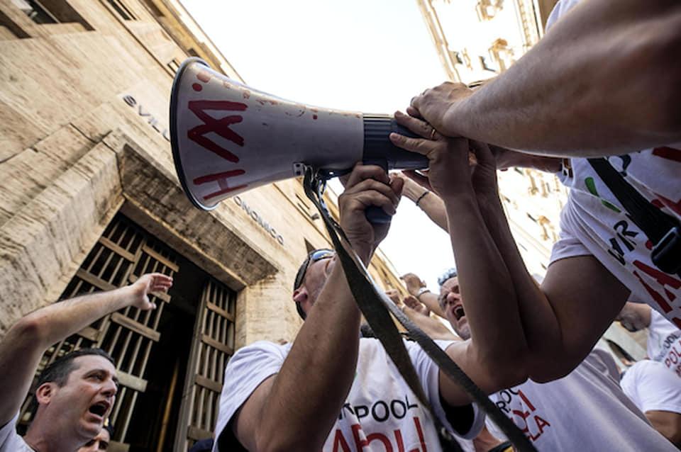 Whirlpool, non possiamo difendere i lavoratori: l'UE lo impedisce