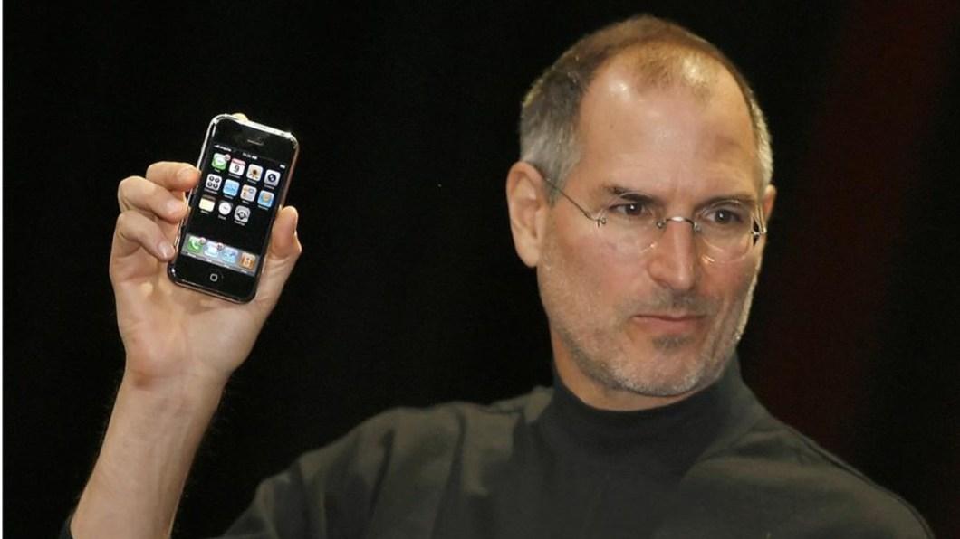 Steve Jobs en la presentación del primer iPhone