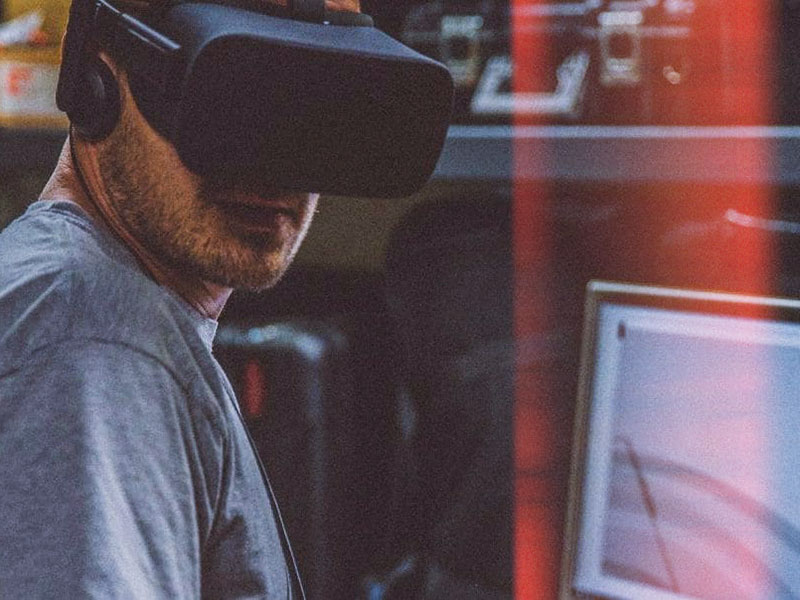 Companies use Virtual Reality Learning
